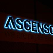 Ascensor sign at night